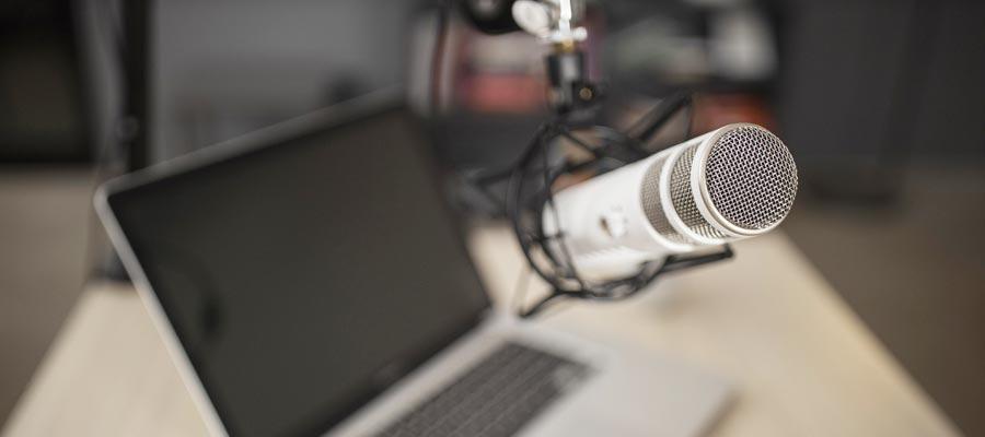 Podcast Vorbereitung Checkliste (Bild: Freepik)